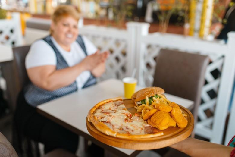 Как меньше есть, не заклеивая рот скотчем Или 6 советов против переедания